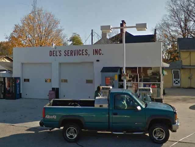Del's Service and Towing Lake Geneva