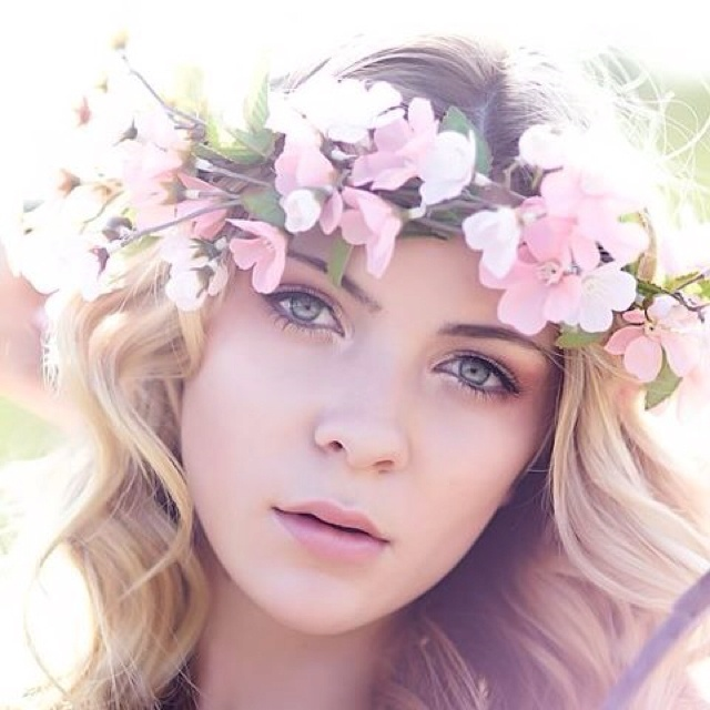 Opinion/Editorial, June 22, 2016, Be Sure to Wear Some Flowers in Your Hair