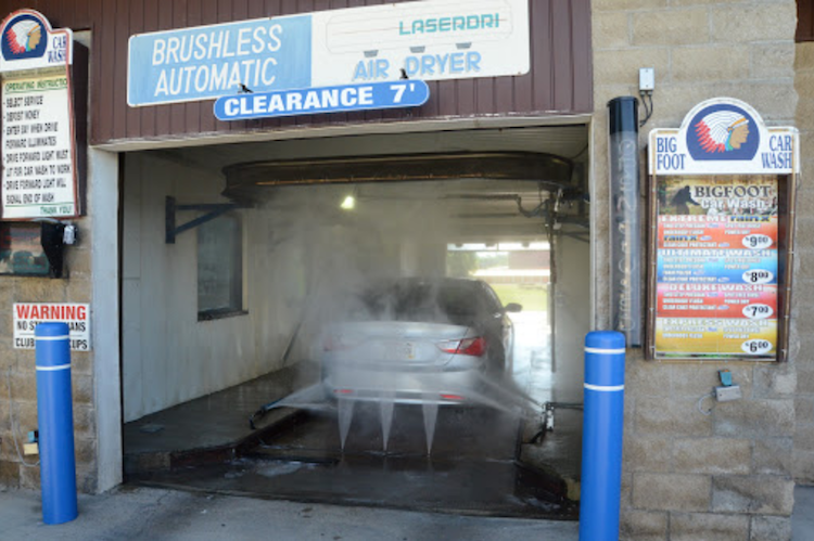 Big Foot Car Wash and Lube Walworth